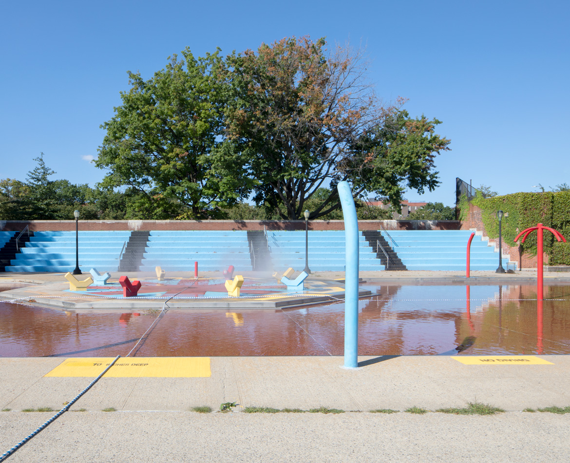Red Hook Pool water splash, 2019. Photograph by Anna Morgowicz